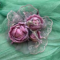 Валяные розы броши — купить на Ярмарке Мастеров с доставкой Связаные Крючком Серьги, Бохо, Ювелирные Украшения