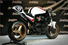 RocketGarage Cafe Racer: Suzuki GSX 750 R Special Gift Suzuki Gsx 750, Custom Cafe Racer, Cool Cafe, Bobber, Special Gifts, Sidewalks, Motorcycle, Bikers, Vehicles