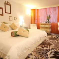 The Luxe Manor in Hong Kong. We help you find the best boutique hotels in Hong Kong.