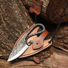 Viking knife. I wonder if that was for shaving?