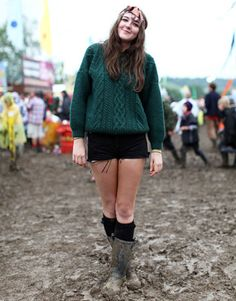 Glastonbury Music Festival Fashion Pictures – Style Pictures from Glastonbury - Harper's BAZAAR    #huntergreen