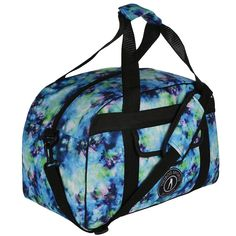 This eye-catching blue tie-dye print makes the Lagoon gym bag sure to stand out at sports events or on your travels. It easily holds your kit including water bottle, trainers/shoes, towel, clothes and toiletries and can be taken as hand luggage when flying.  This gym bag also includes a generous internal pocket, external pouch pocket and Tikiboo Sports logo. Carry your belongings with ease thanks to the double handles and optional long strap with printed shoulder protector. Hand Luggage Bag, Luggage Bags, Gym Bags, Blue Tie Dye, Sports Logo, Traveling By Yourself, Trainers, Water Bottle, Towel