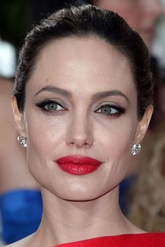 Angelina Jolie, red lip makeup - Beauty Editor