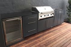 Small Outdoor Kitchens, Outdoor Kitchen Grill, Modern Outdoor Kitchen, Outdoor Barbeque, Backyard Kitchen, Porches, Small Bbq, Summer House Garden, Built In Bbq