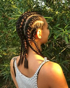 Boxer Braid: 115 photos and tutorials step by step (VIDEOS) # boxer Braids step by step Trending Hairstyles, Cute Hairstyles, Braided Hairstyles, Cabelo Natural 4b, Triangle Braids, Braids Step By Step, Curly Hair Styles, Natural Hair Styles, Boxer Braids