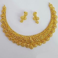 Indian Gold Necklace Designs, Gold Earrings Designs, Gold Jewellery Design, Gold Jewelry, Jewelry Case, Gold Bangles, Wire Jewelry, Indian Jewelry, Bridal Necklace
