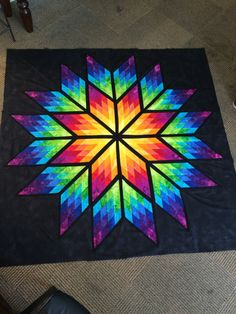 Decorama – The Decorama Portal offers several free patches of crochet and quilt making your work easier. Lone Star Quilt Pattern, Star Quilt Blocks, Star Quilts, Barn Quilt Designs, Barn Quilt Patterns, Quilting Designs, Canvas Patterns, Stained Glass Quilt, Quilt Modernen