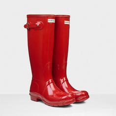 Hunter Original Tall Gloss Rain Boots ($148) ❤ liked on Polyvore featuring shoes, boots, hunters, rainboots, knee-high boots, military red, hunter boots, red rubber boots, knee high military boots and red rain boots
