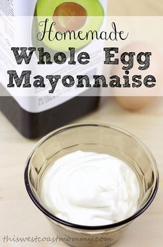 Homemade mayonnaise made with whole eggs and avocado oil. Paleo and friendly. - I didn't use vinegar and I added red pepper flakes Scd Recipes, Herb Recipes, Real Food Recipes, Yummy Food, Atkins Recipes, Vitamix Recipes, Whole Egg Mayonnaise Recipe, Homemade Mayonaise, Bacon Chips