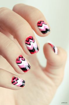 Pshiiit  Manucure triangles / chevron // someday i'll do this , i 'm just too lazy to do it =