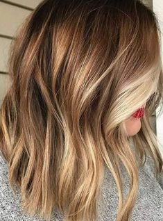 Looking for most pretty demanding hair color ever? See here the most great ideas of various balayage hair colors. Balayage is a French hair coloring technique where the color is painted on the hair… Ombré Hair, Hair Day, New Hair, Brown Hair With Blonde Highlights, Hair Highlights, Color Highlights, Natural Highlights, Beachy Blonde Hair, Honey Brown Hair