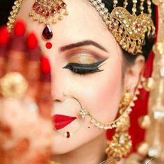 Inspiration for bridal hair and makeup! Bridal makeup Indian dramatic look Loading. Inspiration for bridal hair and makeup! Bridal makeup Indian dramatic look Asian Bridal Makeup, Bridal Makeup Looks, Bridal Hair And Makeup, Bride Makeup, Bridal Beauty, Bridal Looks, Wedding Makeup, Bridal Style, Indian Makeup For Wedding