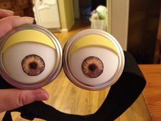 * Minion costume tutorial [these are the awesome goggles]