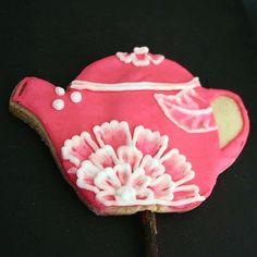 #teapot #teatime #tetera #horadelte #flower #flor #flowers #flores #cookie #galleta #pink #rosa #royalicing #royaicingart #glasareal #arte #art #ilsucre #sucresweetmemories