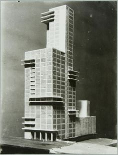 Walter Gropius and Adolf Meyer, competition entry to the Chicago Tribune tower (1922) | The Charnel-House