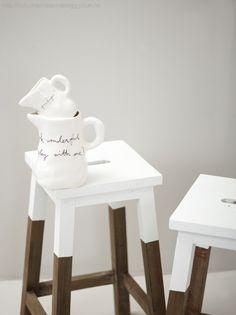 Dip stools