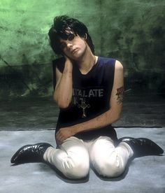 Richey Edwards February 1, 1995 Disappeared; officially presumed dead November 23, 2008. No body has ever been found. Lyricist and guitarist for Manic Street Preachers 27 years, 41 days