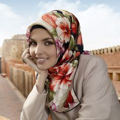 Green Angelica Shampoo - Some hijab women who complain about their hair problems and quite difficult to handle, some of them do a lot of efforts to protect their hair to stay healthy and beautiful one of them with select shampo that fits for hijaber, but in fact treatment with a special product of women berhijab Alone is not enough.