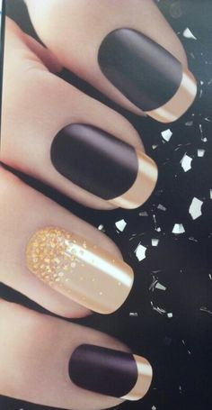 #black #gold #nails How i wish i can use black and gold for my nails during wedding... matt black looks so good
