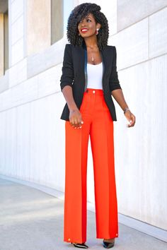 Outfit Details: Blazer (old): Similar here or here Wide Pants Outfit, Wide Leg Pants, Structure Clothing, Structured Fashion, Style Pantry, Mode Chic, Looks Chic, Business Dresses, Classy Outfits