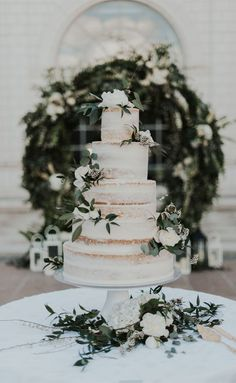 10 The prettiest floral wedding cakes for any season 🌱🌸 naked wedding cake cake decorating recipes anniversaire chocolat de paques cakes ideas Naked Wedding Cake, Big Wedding Cakes, Wedding Cake Photos, Floral Wedding Cakes, Wedding Cake Rustic, Wedding Cakes With Flowers, Beautiful Wedding Cakes, Wedding Cake Toppers, Beautiful Cakes
