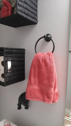 The Better Home Products 9304BLK Waterfront Series Towel Ring Bathroom Accessory in Matte Black is both decorative and functional. This wall mounted towel ring provides a great place to hang both decorative and functional hand towels, helping them dry quickly or add a decorative accent to the bathroom. This towel ring features heavy duty electroplated zinc alloy post and sturdy electroplated aluminum ring. Features concealed screws for added beauty.