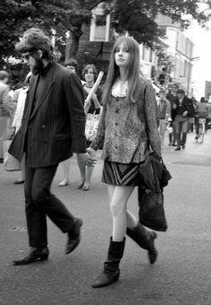 "moment-japan:  ""Swinging Sixties/Portobello Road  "" Glam Rock, Fashion Through The Decades, Grunge, Mod Girl, 20th Century Fashion, Sixties Fashion, Cultura Pop, Boho, Fashion History"