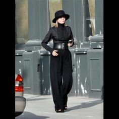 Faye Dunaway, Diane Keaton, Susan Sarandon, Sophia Loren and Helen Mirren are well over 50 and yet wear attractive clothes. Diane Keaton, Advanced Style, Ageless Beauty, Fashion Over 50, Her Style, Style Icons, Womens Fashion, Fashion Trends, Petite Fashion