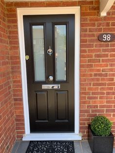 Ludlow Solidor Door by Wright Glazing. Matt Schwarzbrun black door with Victorian Etch. Front Door Porch, Black Front Doors, House Front Door, Glass Front Door, House Doors, Black Door, Front Driveway Ideas, Driveway Design, Black Composite Front Door