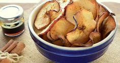 Birbirine çok yakışan tarçın ve elma ikilisi, bu kez ara öğünlerde atıştırmalık olarak tüketebileceğiniz ballı tarçınlı elma cipsi tarifine dönüştü.