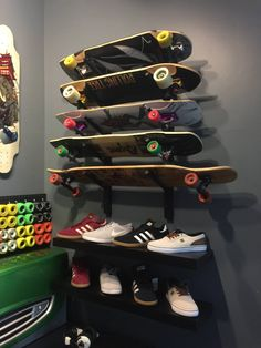 Longboard The Board Rack + Shoe Shelf Buying Petite Clothing Made Easy All you girls and under Skateboard Rack, Skateboard Wheels, Sport Rack, Longboard Design, Colorful Shoes, Longboarding, Thrasher, Extreme Sports, Skateboards