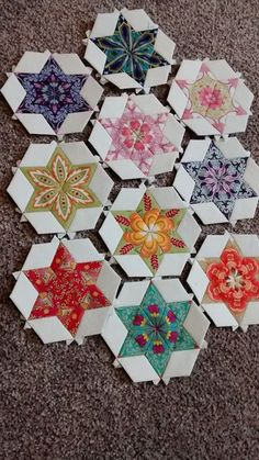 Star of David quilt pattern. The fussy cut is beautiful. I like the color choices as well. Star Quilt Blocks, Star Quilt Patterns, Paper Piecing Patterns, Star Quilts, Amish Quilts, Patchwork Quilt, Hexagon Quilt, English Paper Piecing, Quilting Projects