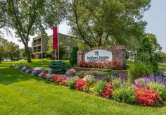 Parklawn Estates offers cat-friendly 1, 2, and 2 bedroom, 2 bathroom apartment homes for rent in Edina, MN