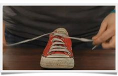 How To Teach A 6-Year-Old To Tie Shoes In 5 Minutes. This Summer, Miss Dru!! We will learn!!