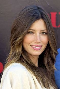 Mechas tiger eye: La nueva tendencia para morenas [FOTOS] - Jessica Biel con cabello natural y mechas tiger eye