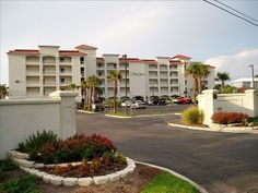 Palm Beach Orange Beach (Alabama) Located in Gulf Shores, Palm Beach is an apartment featuring an outdoor pool. The property is 48 km from Pensacola Beach and private parking is available. There is a dining area and a kitchen. Beach Pool, Palm Beach, Orange Beach Alabama, Convertible Bed, Pensacola Beach, White Sand Beach, Rental Apartments, Outdoor Pool, Ground Floor
