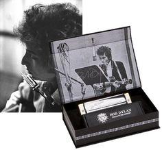 Hohner Bob Dylan Signature M589016 – Armónica en clave de Mi -  http://tienda.casuarios.com/hohner-bob-dylan-signature-m589016-armonica-en-clave-de-mi/