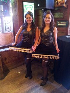 Gatsby, 1920's, speakeasy party - Cigarette girls to pass appetizers and desserts