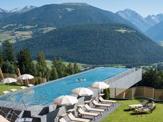 Swim under the stars. Infinity Pools, South Tyrol, Beautiful Hotels, Resort Spa, Places To See, Travel Destinations, Travel Photography, Patio, Vacation