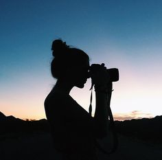 With Grace & Guts: Photo Silhouette Photography, Shadow Photography, Photography Camera, Girl Photography Poses, Creative Photography, Amazing Photography, Nature Photography, Kreative Portraits, Shadow Pictures