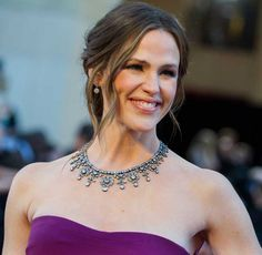 """Jennifer Garner – who else? She was escorted to the Oscars by one of Hollywood's hottest hunks, Ben Affleck, whose film """"Argo"""" won the Film of the Year Oscar. Garner wore jewelry worth 2.5 million USD (!) and a   Gucci dress. The jewelry included: a royal choker, small earrings, a diamond bracelet and a sapphire ring. All of these pieces perfectly complimented the design of the dress."""