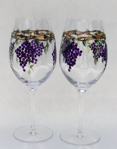 Hand Painted Wine Goblets Grapes pair by PaintedSnowflakes on Etsy Wine Glass Crafts, Wine Craft, Wine Bottle Crafts, Decorated Wine Glasses, Hand Painted Wine Glasses, Bottle Painting, Bottle Art, Wine Glass Designs, Wine Goblets