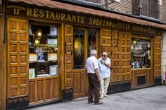 Dining in The World's Oldest Restaurant - Sobrino de Botin, Madrid Guinness, Pubs And Restaurants, Cheap Hotels, Spain And Portugal, Madrid, What A Wonderful World, Wonders Of The World, Places To See, Travel Destinations