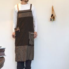 NAOMI ITO men's apron.  Love the detail!