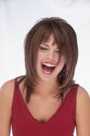 """Résultat de recherche d'images pour """"coupes de cheveux mi longs visage oval"""""""