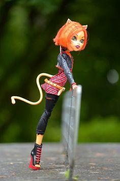 All Monster High Dolls, Monster Go, Monster High Custom, Monster High Repaint, Cool Monsters, Famous Monsters, Custom Dolls, Dark Skin, Photo Sessions