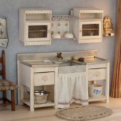 Wooden sink cabinet for dollhouse scale 1/12.