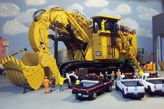Show Trucks, Rc Trucks, Caterpillar Engines, Toys In The Attic, Action, Weird Cars, Rc Model, Diecast Models, Heavy Equipment