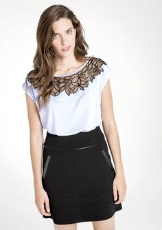 T-shirt met korte mouwen en kanten kraag - LolaLiza