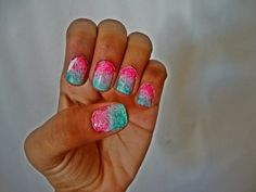 Otra idea de como decorar tus uñas! mas detalles en stylesbeautifulsoul.wordpress.com